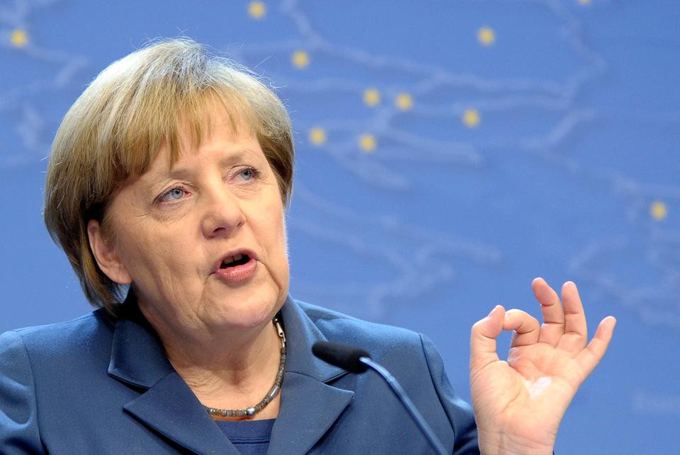 Порошенко привітав Меркель із перемогою