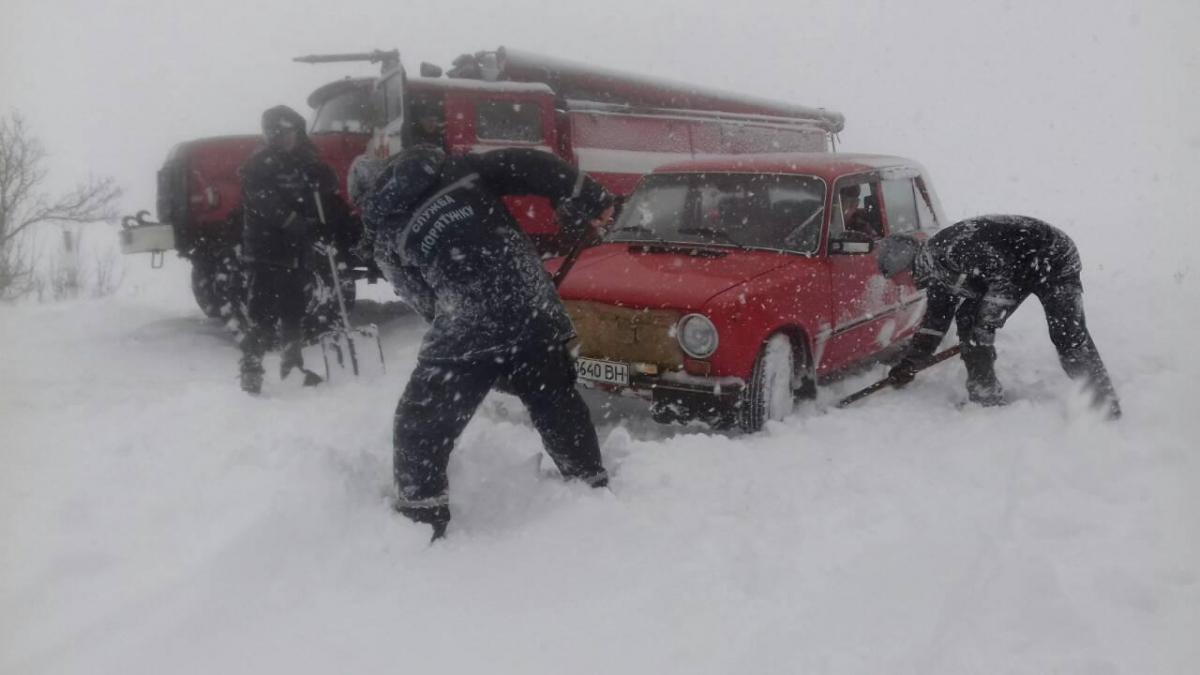 ВУкраїні через негоду знеструмлено 737 населених пунктів удесяти областях