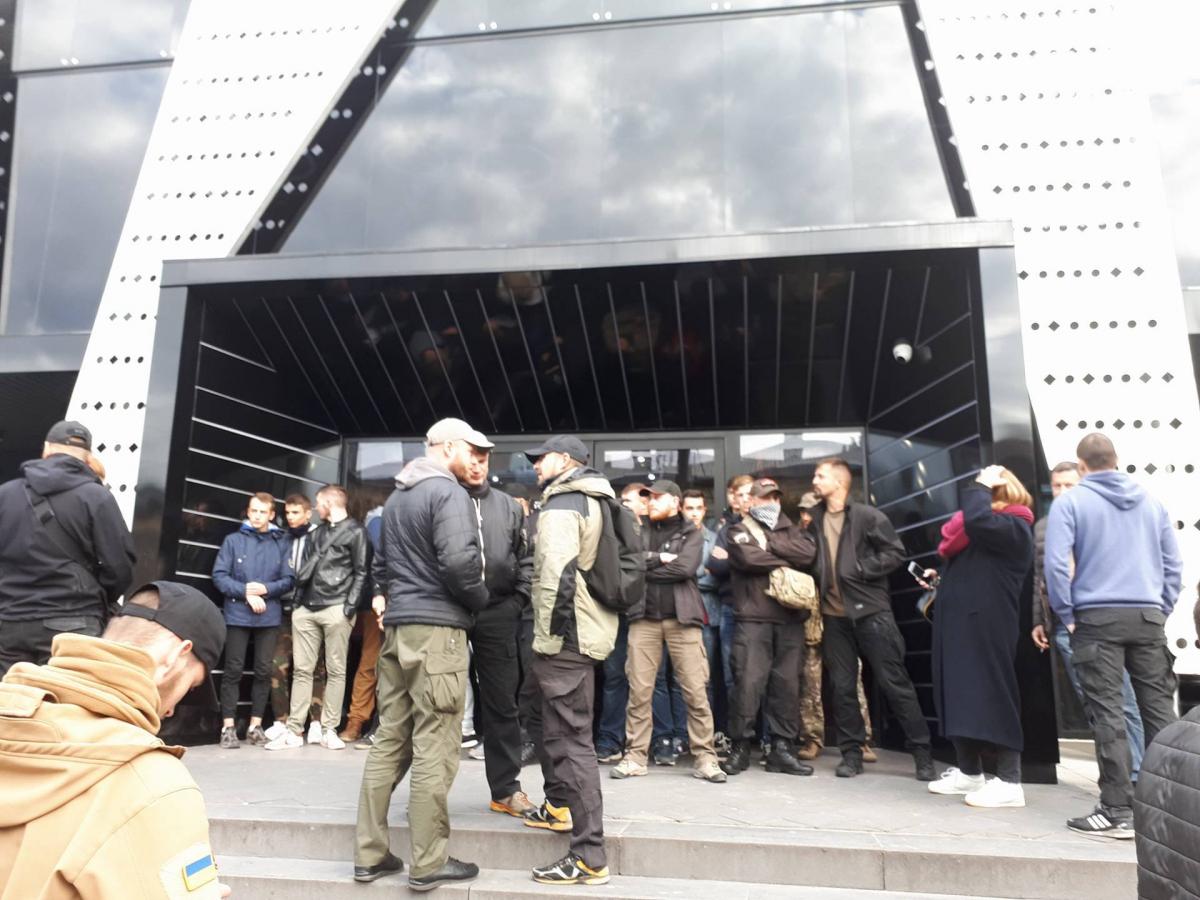 Після протестів уЛьвові скасували концерт Сергія Бабкіна