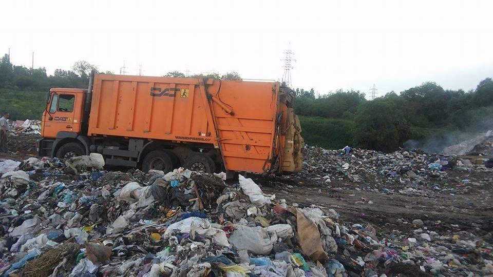 Львівське сміття везуть на звалища довколишніх міст