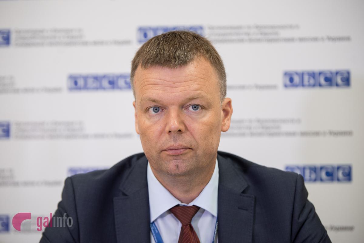 Олександр Хуг: «Спостерігачі ОБСЄ бачили розрізнювальні знакиРФ наДонбасі»