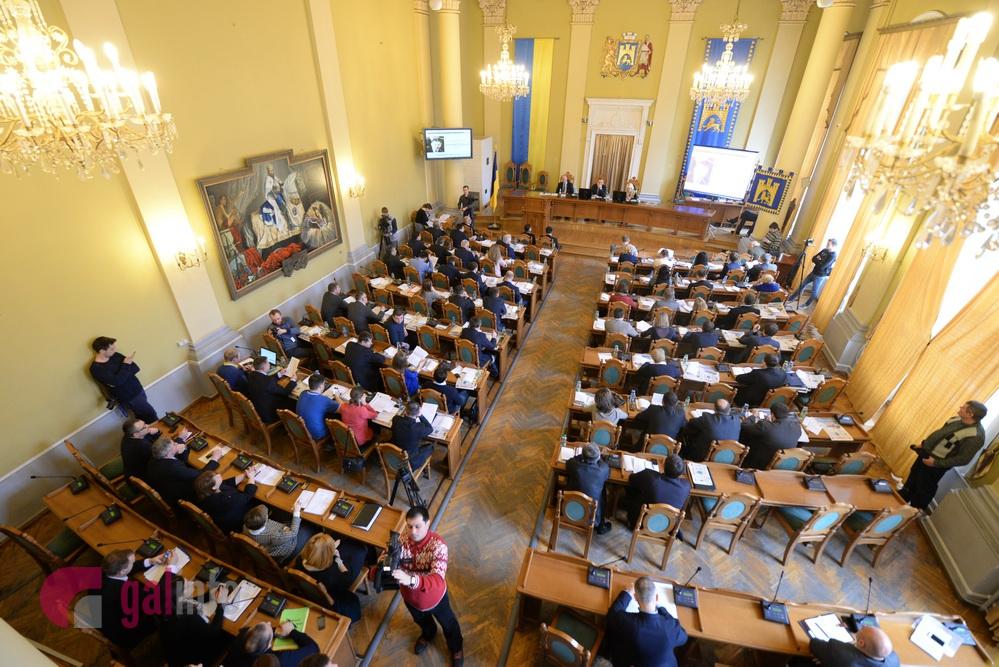 Міськрада Львова: кожен учасник бойових дій насході отримає 100 тисяч гривень