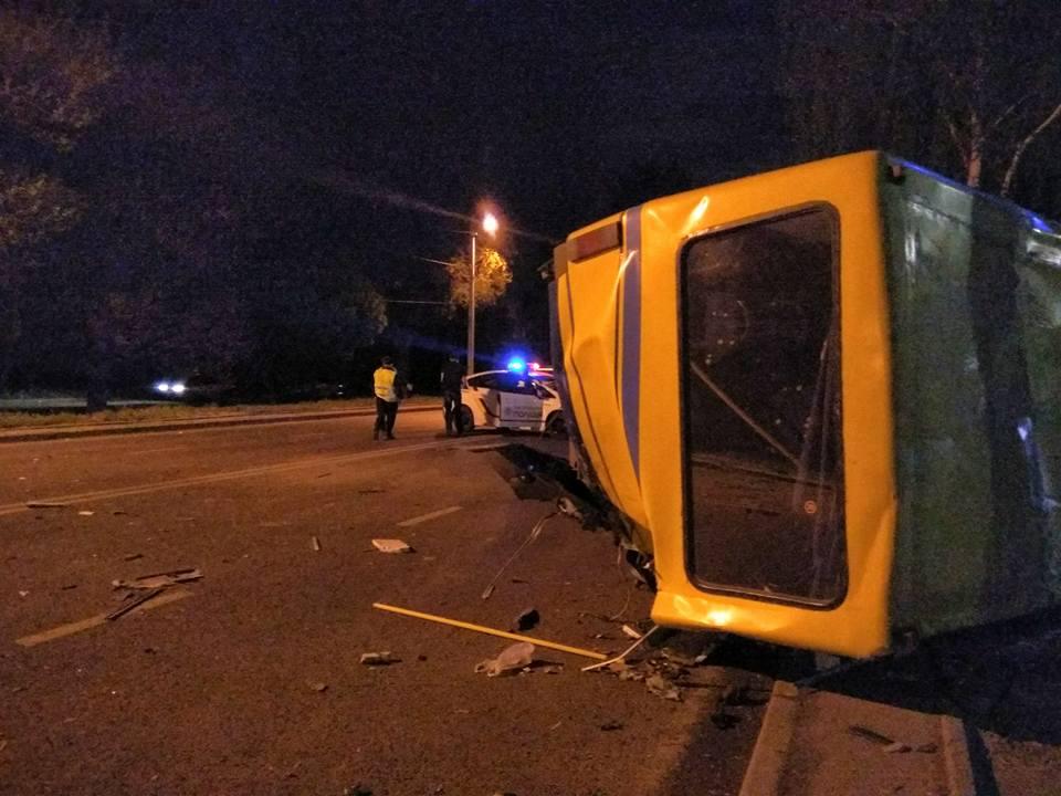 Смертельне ДТП уЛьвові: Lexus зіткнувся завтобусом