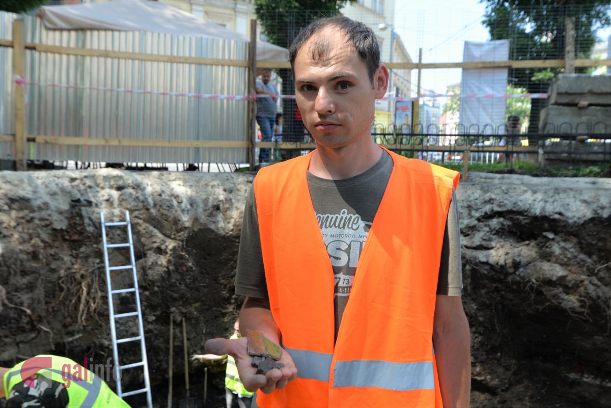 Археологічні дослідження на площі Галицькій у Львові. Фото Гал-інфо  Олена Ляхович