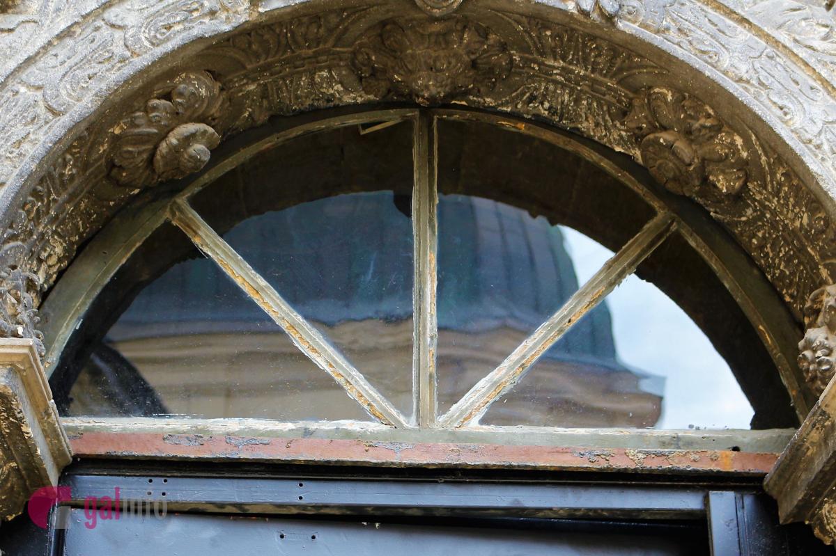 Як це було: в каплиці Боїмів винесли металеві двері фото 3