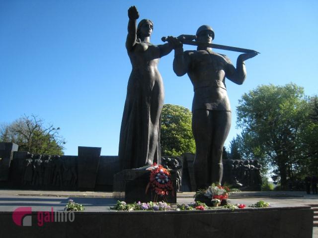 Засідання щодо долі Монументу Слави не було
