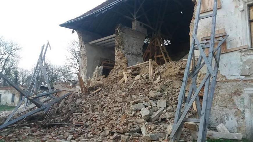 НаЛьвівщині обвалилася стіна старовинного замку