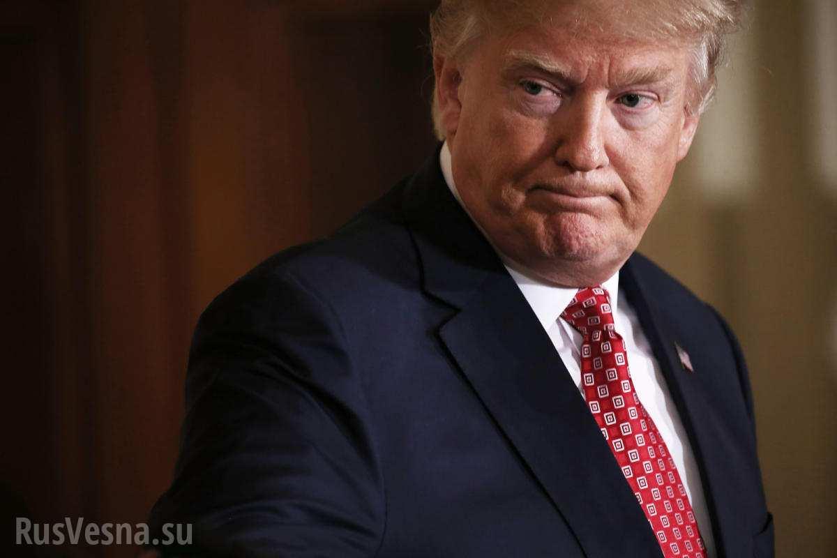 Трамп під тиском громадськості назвав расистів у Вірджинії злочинцями