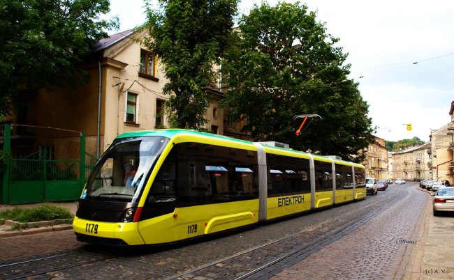 Львівський «Електронтранс» виграв тендер напоставку 7 трамваїв вКиїв