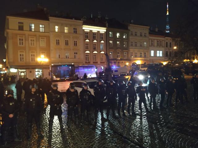 politsiya_plosha_rynok_biyka_4.jpg
