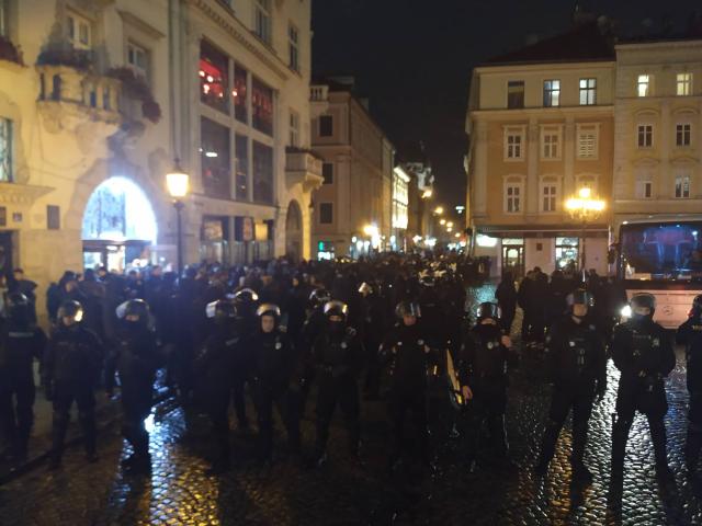 politsiya_plosha_rynok_biyka_5.jpg