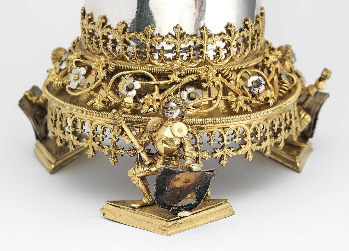 Підставка стакана з кришкою, робота Ганса Грейффа, бл.1470-і рр. Баварія, Німеччина. Музей мистецтва Метрополітен. Фото - Symbolon.