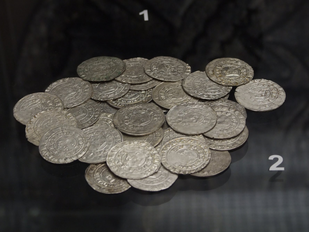 Празькі гроші у музейній експозиції, м. Градець-Кралове Фото - Symbolon.