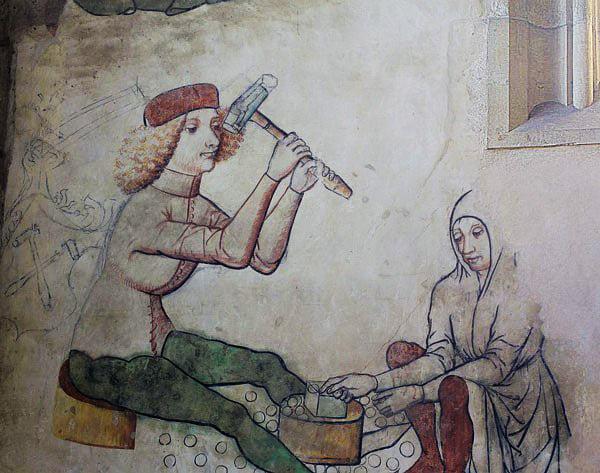 Процес виготовлення монет; фрагмент фрески у Монетній каплиці в соборі Св. Варвари, Кутна Гора, бл. 1460 р. Фото - Symbolon.