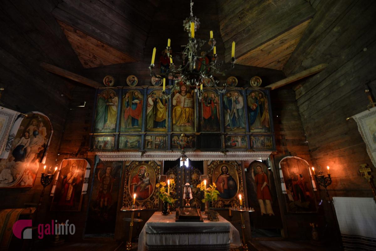 Іконостас, який тепер можна побачити у церкві з Клокучки, сформований з музейної колекції творів іконописного мистецтва. Фото Гал-інфо, Олена Ляхович