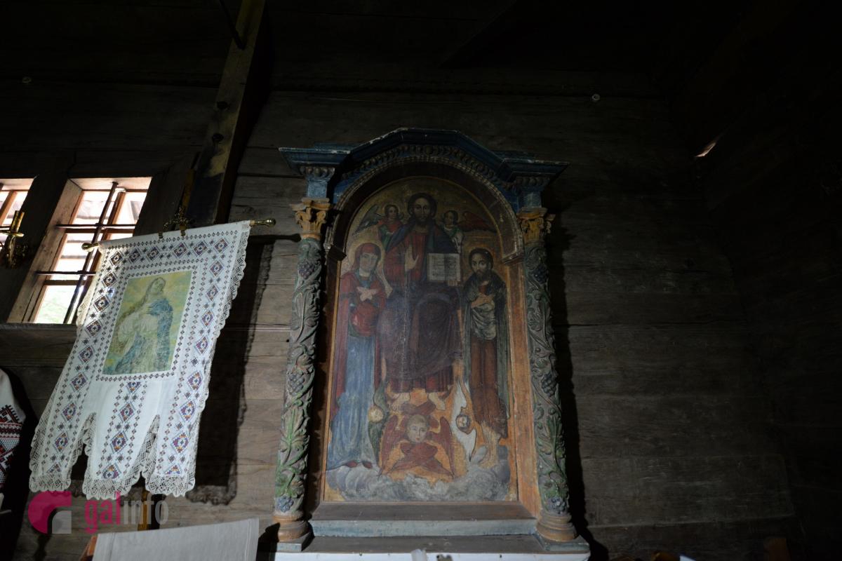 На південній стіні нави розміщена ікона «Деезіс». Ікону можна датувати кін. XVII – поч. XVIIІ ст. Фото Гал-інфо, Олена Ляхович