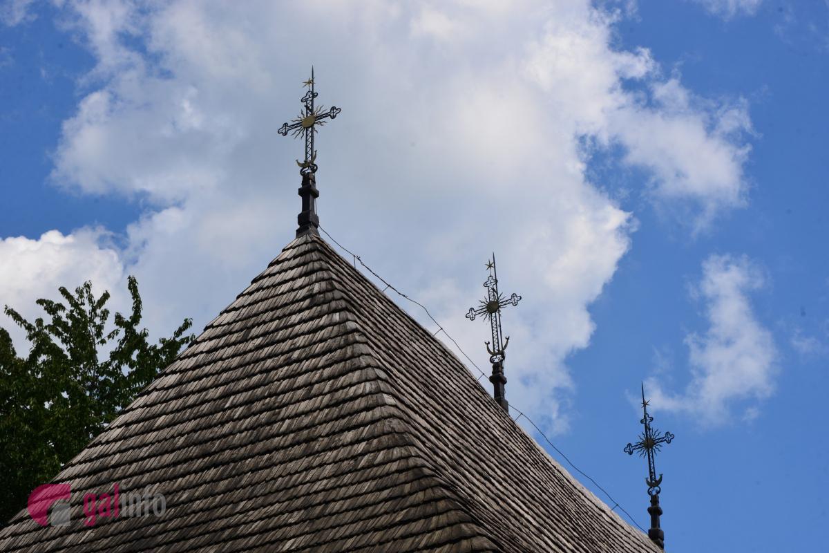 Троїцька церква належить до «хатнього типу» церков. Лише кований хрест на даху вказує, що це є церква. Фото Гал-інфо, Олена Ляхович