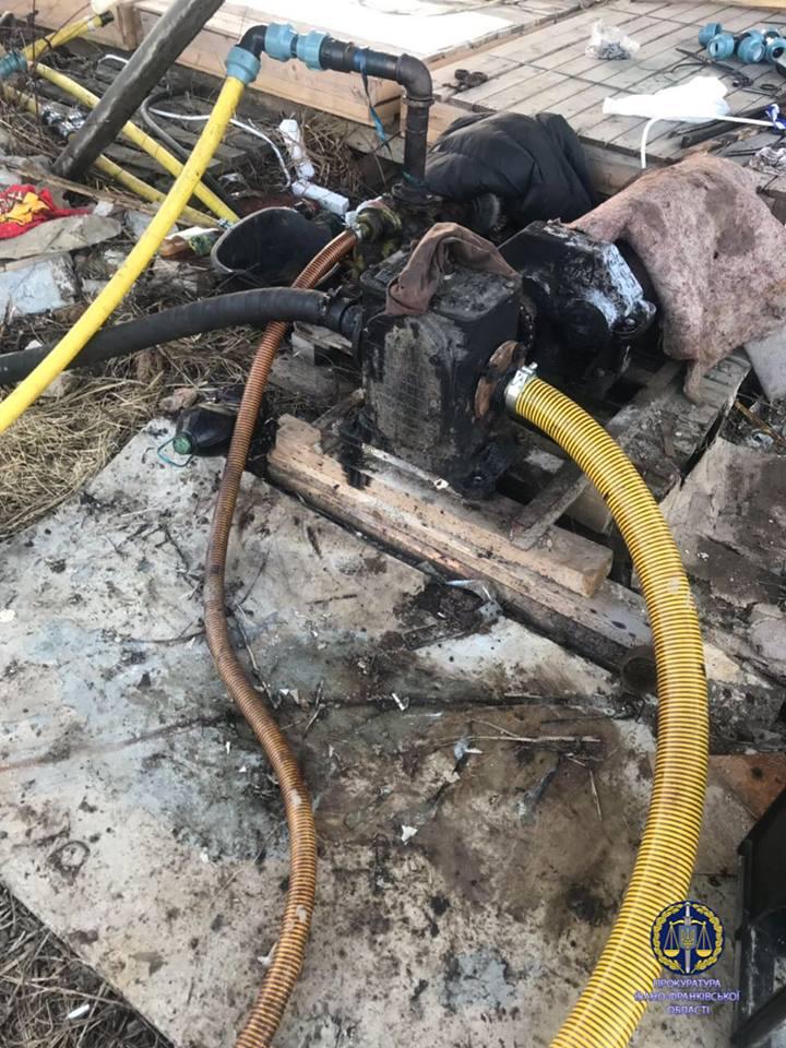 На Прикарпатті група осіб крали нафту та переробляли її на пальне (фоторепортаж)