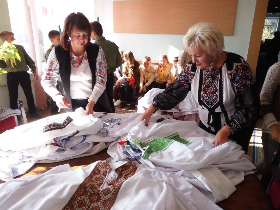 Новини Львова  На Львівщині освятили вишиванки-обереги для воїнів 32387d12d1ca8