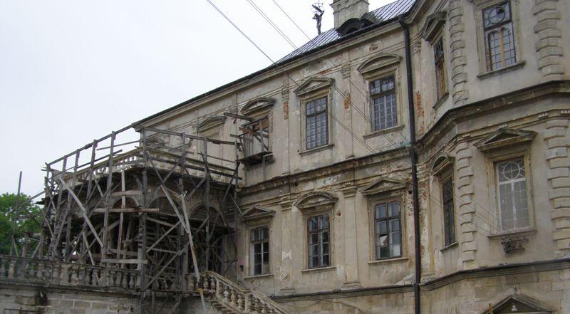 У Підгорецькому замку розіб'ють одну зі стін щоб звільнити невинну ...