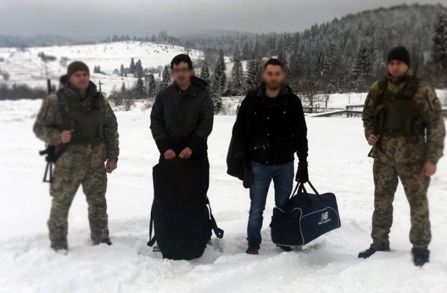 У Турківськоиу районі прикордонники зловили французів з  цигарками